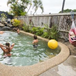 Hostellit - Castaway's Backpackers Cairns