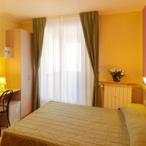 Hostellit - Hotel Arco Romana