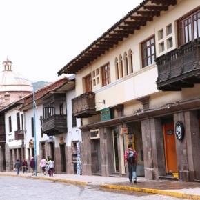 Hostellit - Emperador Plaza