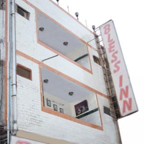 Hostellit - Hotel Bless Inn