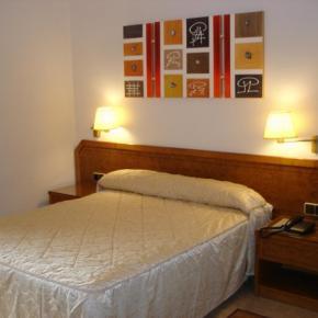 Hostellit - Hostal Moreno
