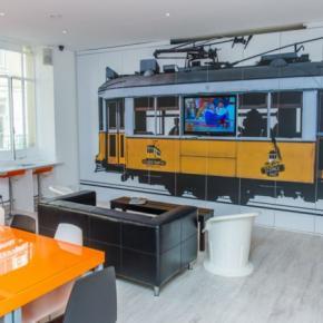 Hostellit - Golden Tram 242 LISBON Hostel