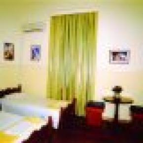Hostel Lozanni
