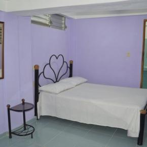 Hostellit - Hostal de Arnulfo y Pucha