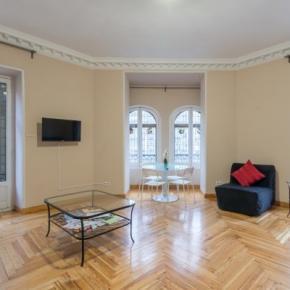 Hostellit - Rooms Arguelles 58. Alojamiento en Madrid, España