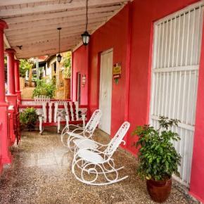 Hostellit - Casa Colonial Dany y Carlos
