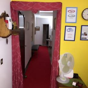 Hostellit - Train Station BnB