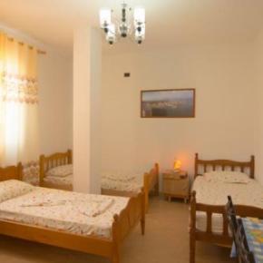 Hostellit - Almiri Guest House