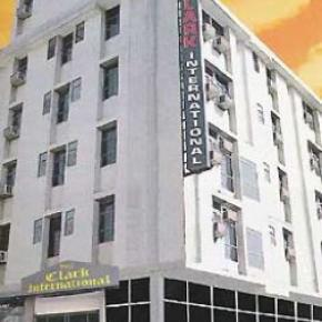 Hostellit - Hotel Clark International