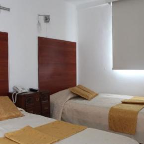 Hostellit - Hotel La Santamaría
