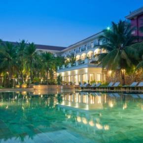 Hostellit - Lotus Blanc Hotel