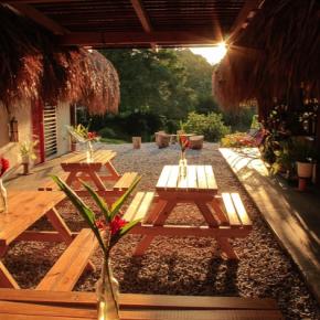 Hostellit - Los Colores Ecoparque Colombia