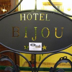 Hostellit - Hotel Bijou