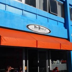 Hostellit - Point Break Backpackers & Cafe