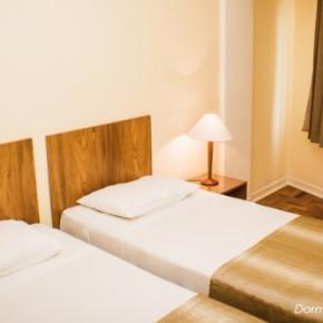 Hostellit - Hotel Rojas