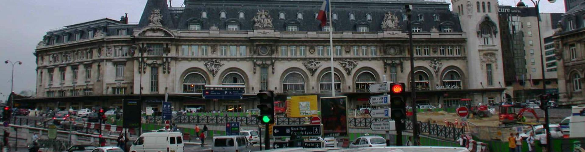 Pariisi – Hostellit kaupungiosassa Gare de Lyon. Pariisi -karttoja, valokuvia ja arvosteluja kaikista Pariisi -hostelleista.