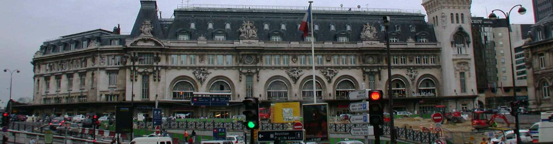 Pariisi – Hostellit lähellä Gare de Lyon rautatieasema. Pariisi -karttoja, valokuvia ja arvosteluja kaikista Pariisi -hostelleista.