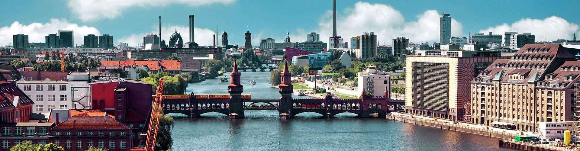 Berlin – Hostellit kaupungiosassa Kreuzberg. Berlin -karttoja, valokuvia ja arvosteluja kaikista Berlin -hostelleista.