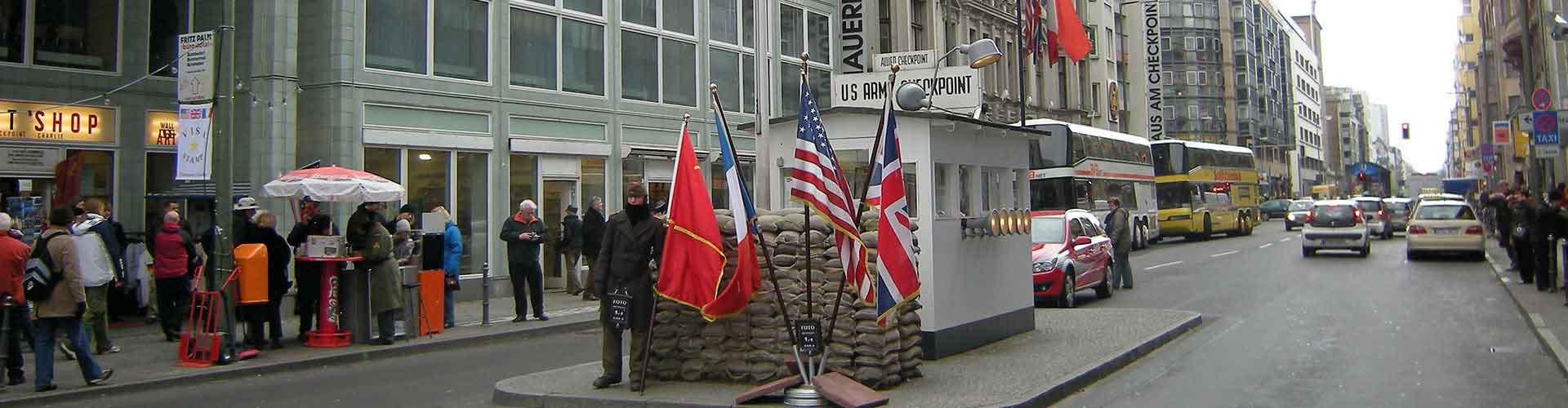 Berlin – Hostellit lähellä Checkpoint Charlie. Berlin -karttoja, valokuvia ja arvosteluja kaikista Berlin -hostelleista.