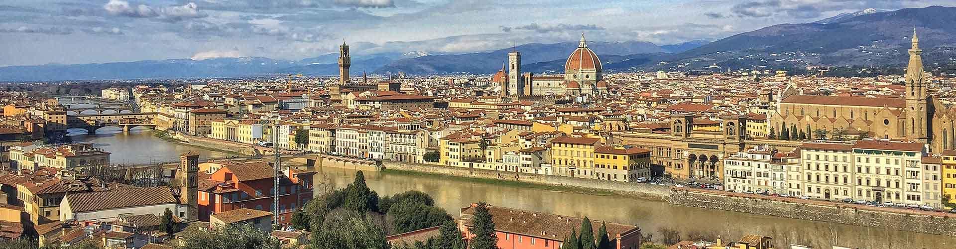 Firenze – Retkeily kaupungiosassa Duomo - Oltrarno. Firenze -karttoja, valokuvia ja arvosteluja kaikista Firenze -retkeilyalueista.