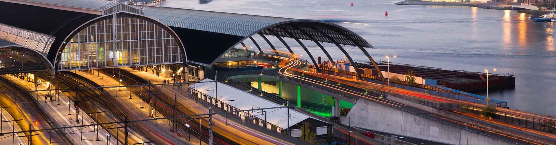 Amsterdam – Hostellit lähellä Amstel rautatieasema. Amsterdam -karttoja, valokuvia ja arvosteluja kaikista Amsterdam -hostelleista.
