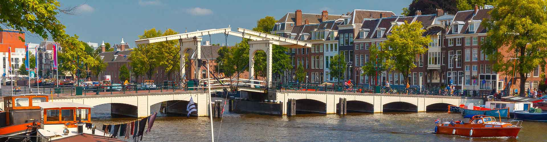 Amsterdam – Hostellit lähellä Magere Brug. Amsterdam -karttoja, valokuvia ja arvosteluja kaikista Amsterdam -hostelleista.