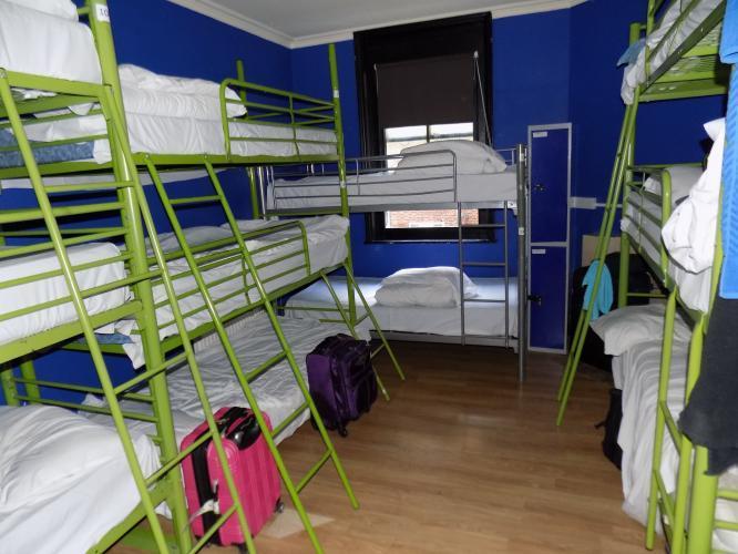 14 hengen asuntolassa