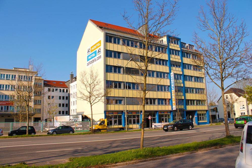 A & O Münchenin Laim-hostellirakennus
