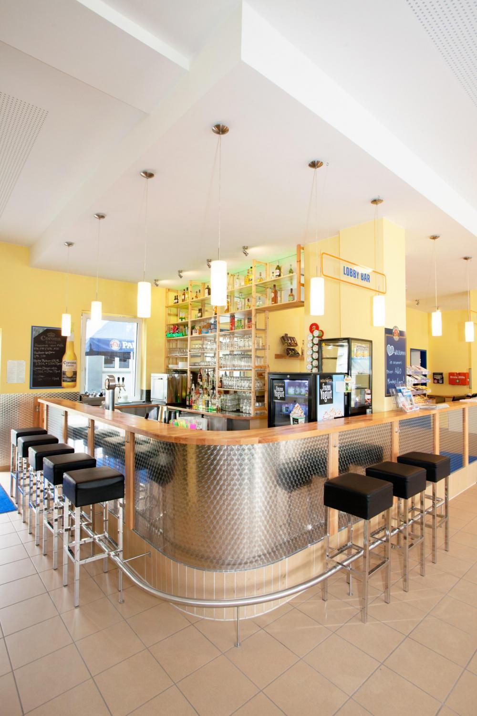 A & O Münchenin Laim Hostel -baari