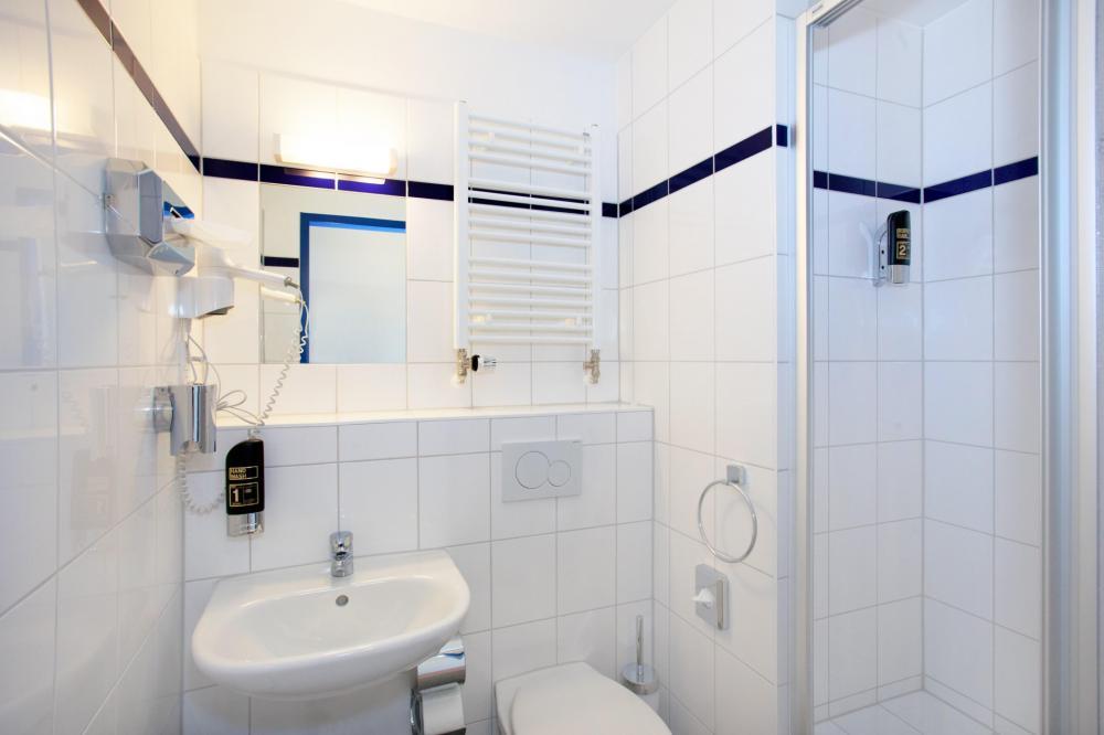 A & O Munich Laim WC / suihku