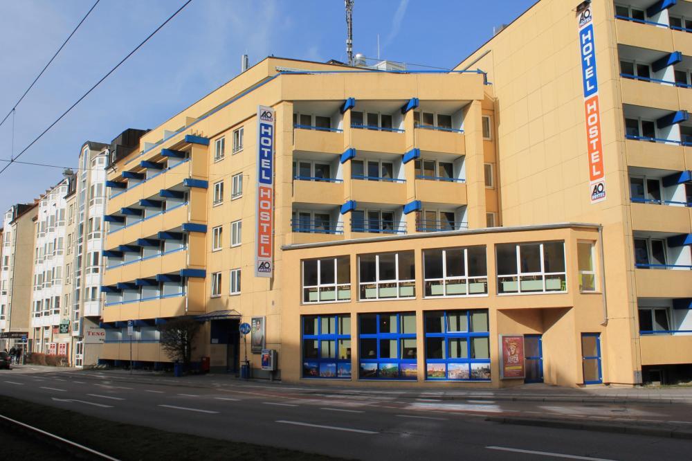 A & O Münchenin Hackerbrücken Hostel -rakennus