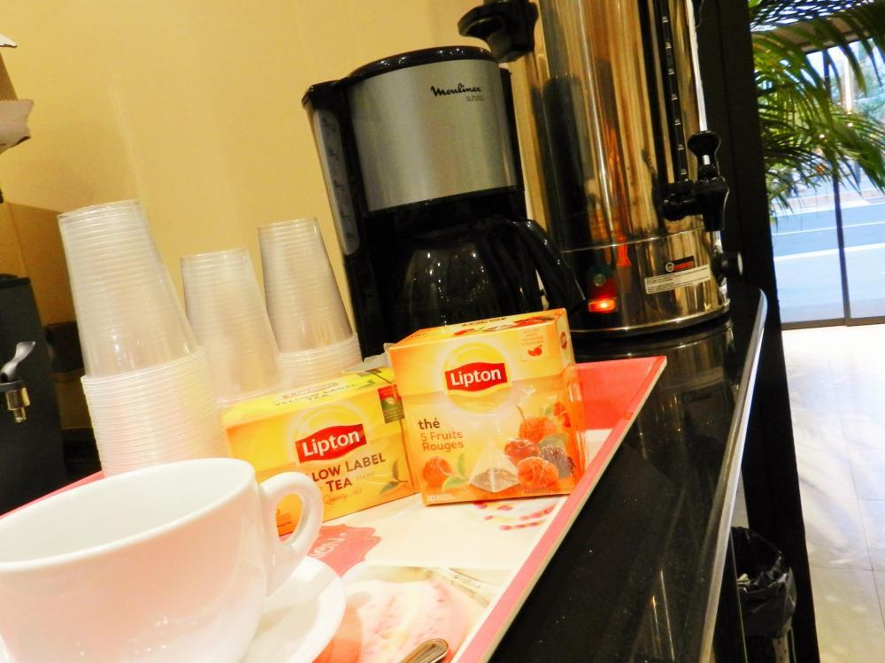 Joka aamu ilmaista kahvia ja teetä