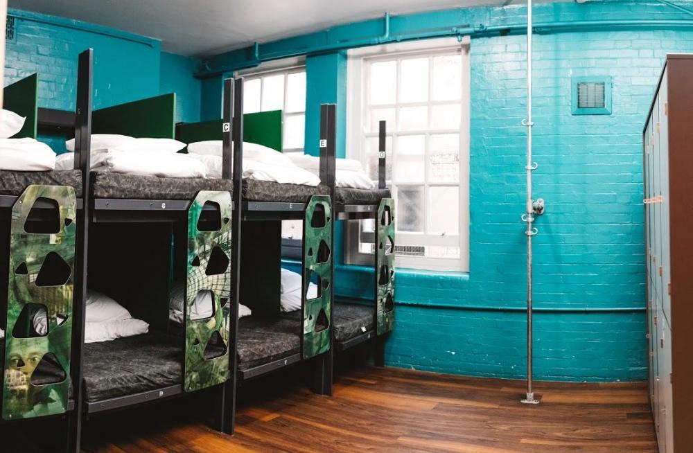 Asuntolan huone