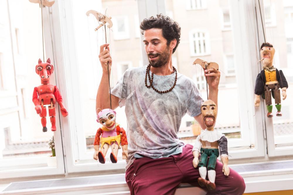 Puppet-näyttely Gilin kanssa