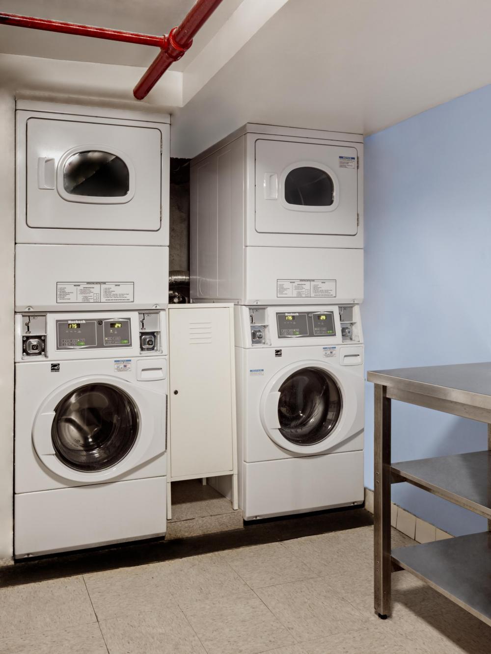 Pesukone ja kuivausrumpu ovat 1 dollari per kuorma