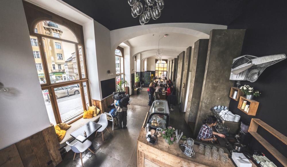 Reception, Kafe & Community table