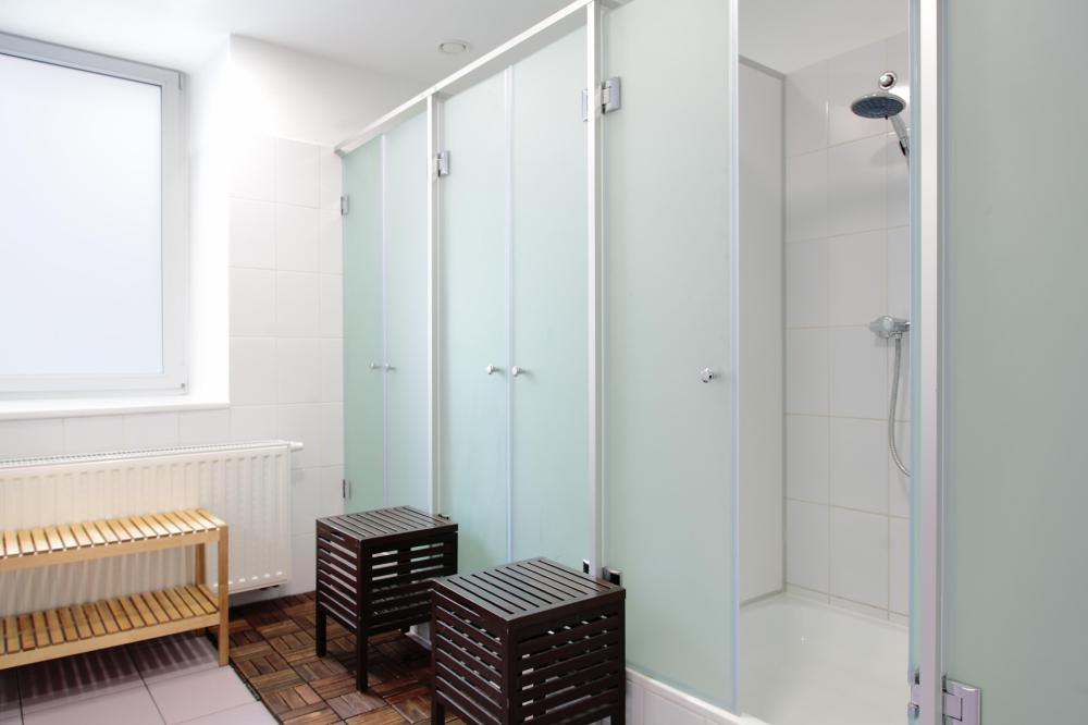 Jaettu kylpyhuone
