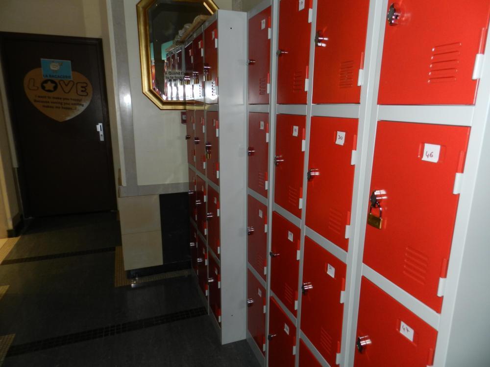 Varastohuone ja lukolliset tallelokerot