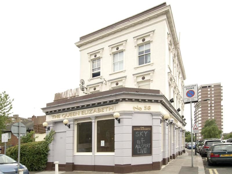 Queen Elizabeth Pub and Hostel