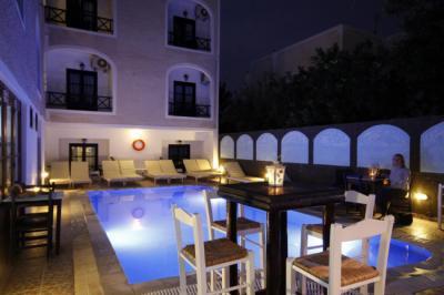 Hostellit - Anny Studios Perissa Beach Hostel