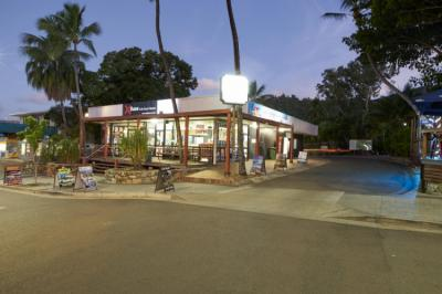 Hostellit - Base Airlie Beach