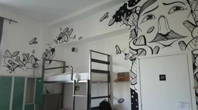 Hostellit - Madama Hostel & Bistrot
