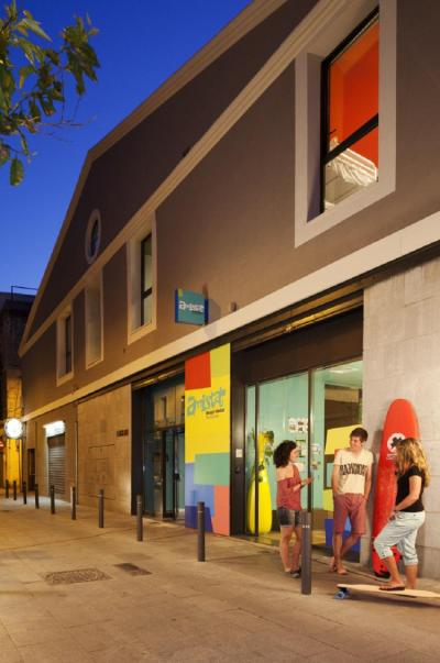 Hostellit - Amistat Beach Hostel Barcelona