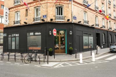 Hostellit - Arty Paris Portes de Versailles by Hiphophostels