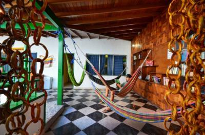 Hostellit - The Wandering Paisa Backpackers Hostel
