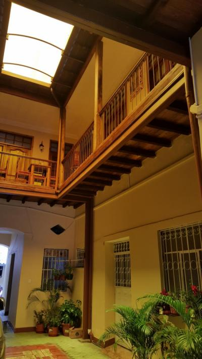 Hostellit - Hostal Castelvilla Centro Historico de Quito