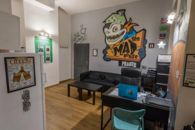 Hostellit - Hostel The MadHouse Prague