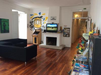 Hostellit - Surf in Chiado Hostel