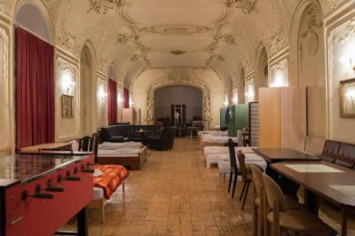 Hostellit - Hostel Baroque Hall