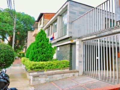 Hostellit - Hostel Backpackers Inn Medellin